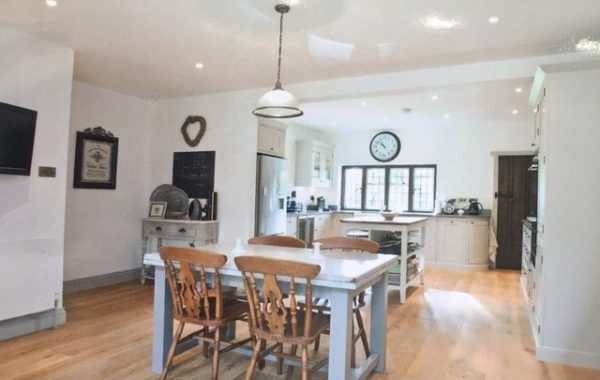 Henley on Thames Kitchen & Entrance Hall