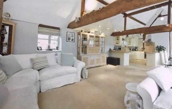 Barn Conversion Oxfordshire Village